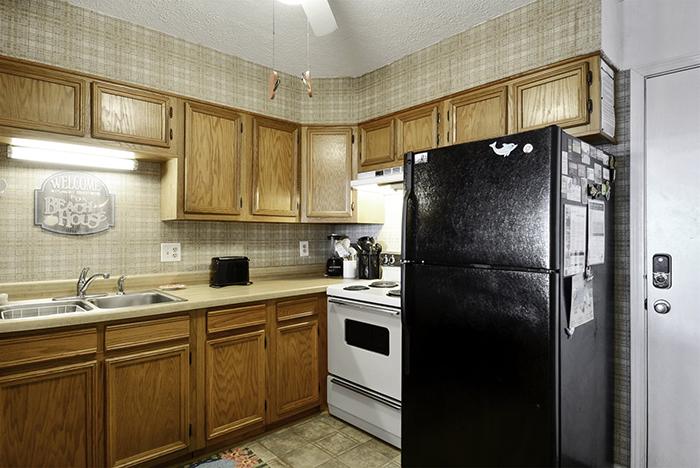 Sands Shamrock Makeover - Kitchen