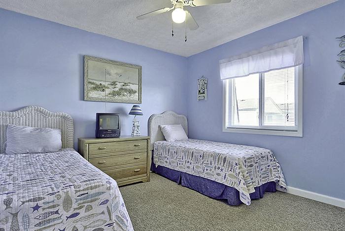 Sands Shamrock - Twins Bedroom Makeover